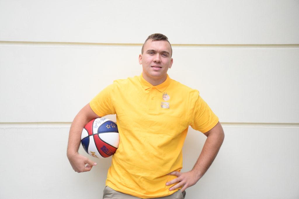 Meet coach Arijus